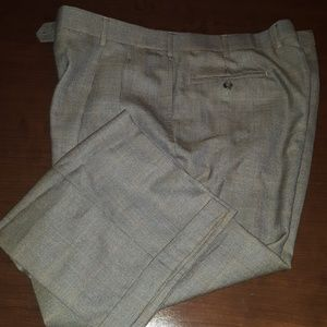 Jos A Bank W38 L30 pleated brown dress pants